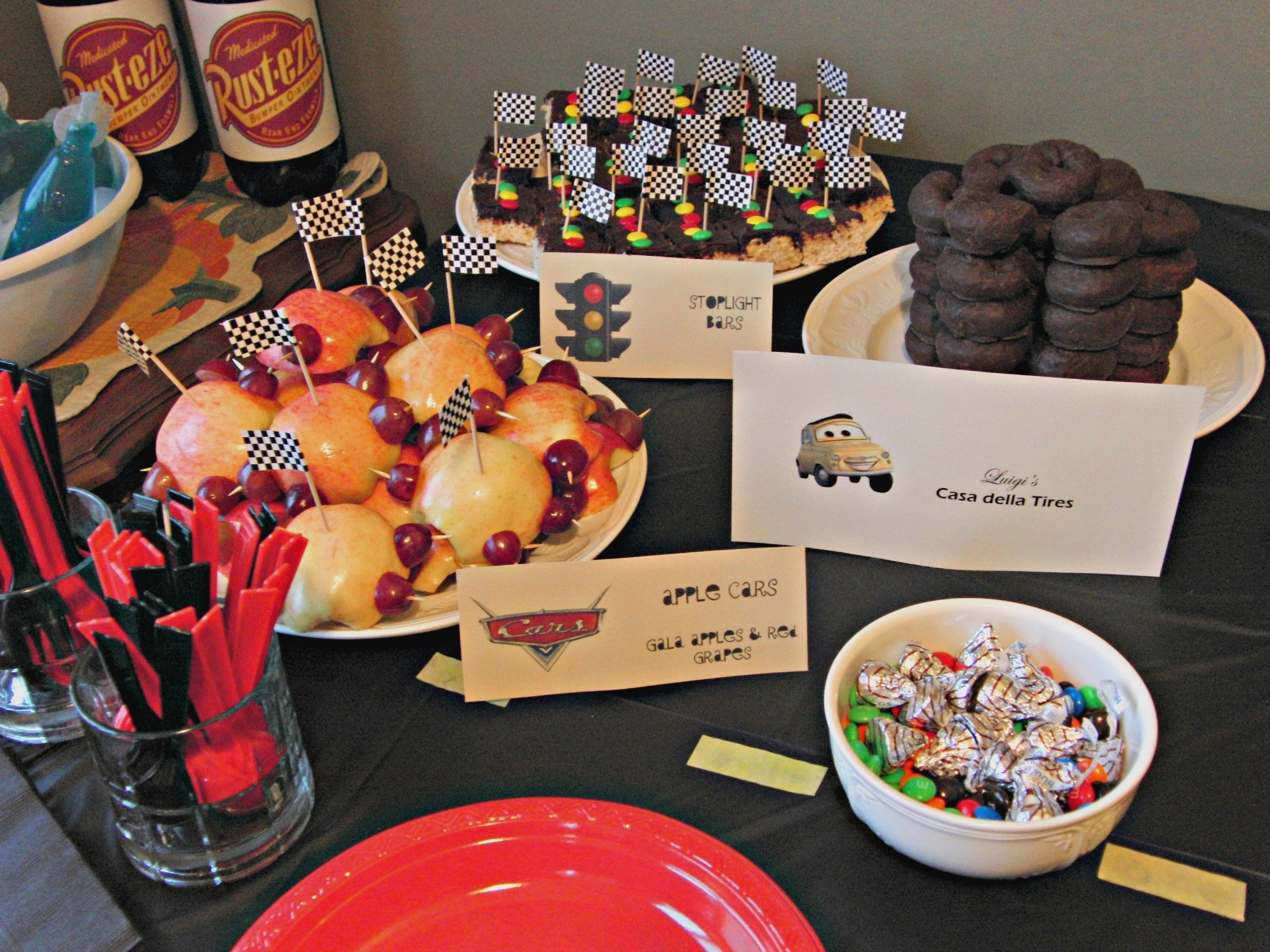 How to Throw a CARS Inspired Birthday Party for Your Little CARS Fan