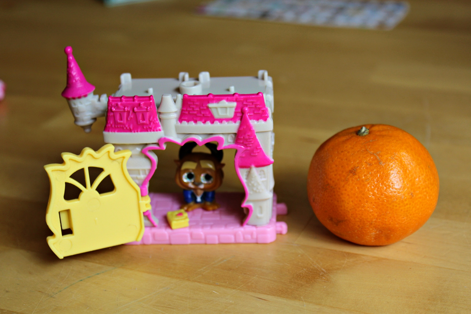 Size comparison with Disney Doorables playset Beast's Chateau and Clementine