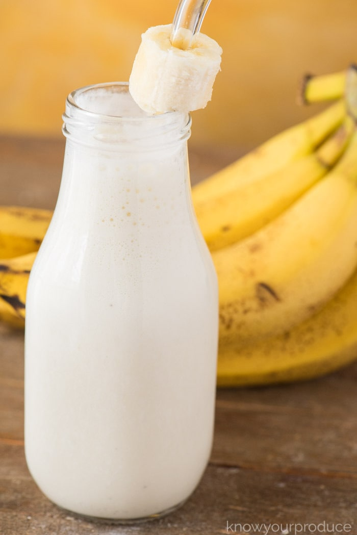Banana Smoothie healthy and non-alcoholic