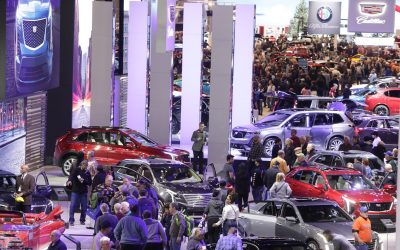I'm going to the Chicago Auto Show and if you're a gal you should too!